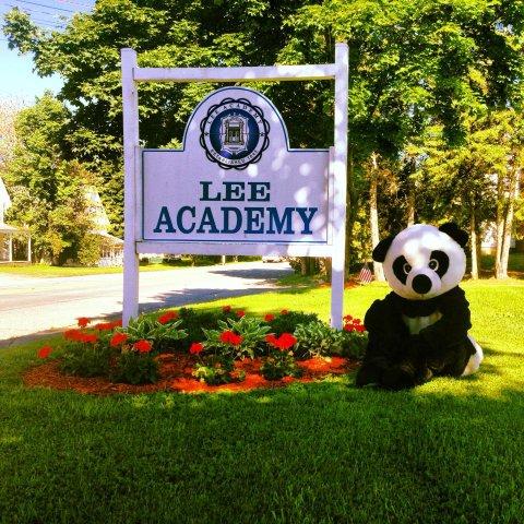 Học bổng trị giá $ 10,000 đến từ trường Lee Academy- Bang Maine, Mỹ